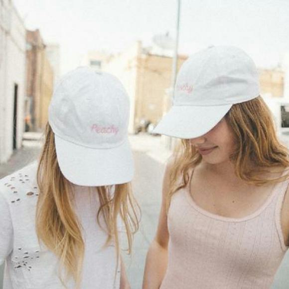 Brandy Melville Accessories - New BM Peachy hat